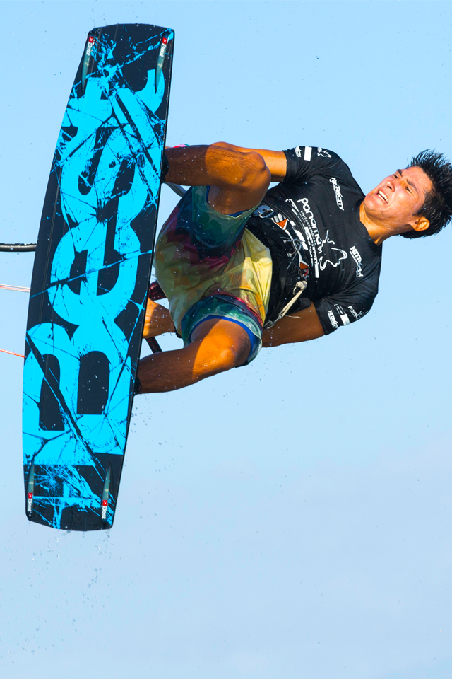 kitesurf wallpaper image - Alexandre Neto handle passing on the Best kiteboarding gear - in resolution: iPhone 640 X 960