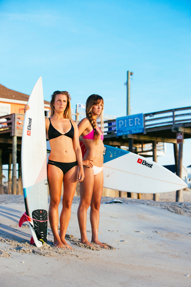 kitesurf wallpaper image - Two Best Kiteboarding kitechicks in bikini with surfboards looking to take a ride - in resolution: iPhone 640 X 960