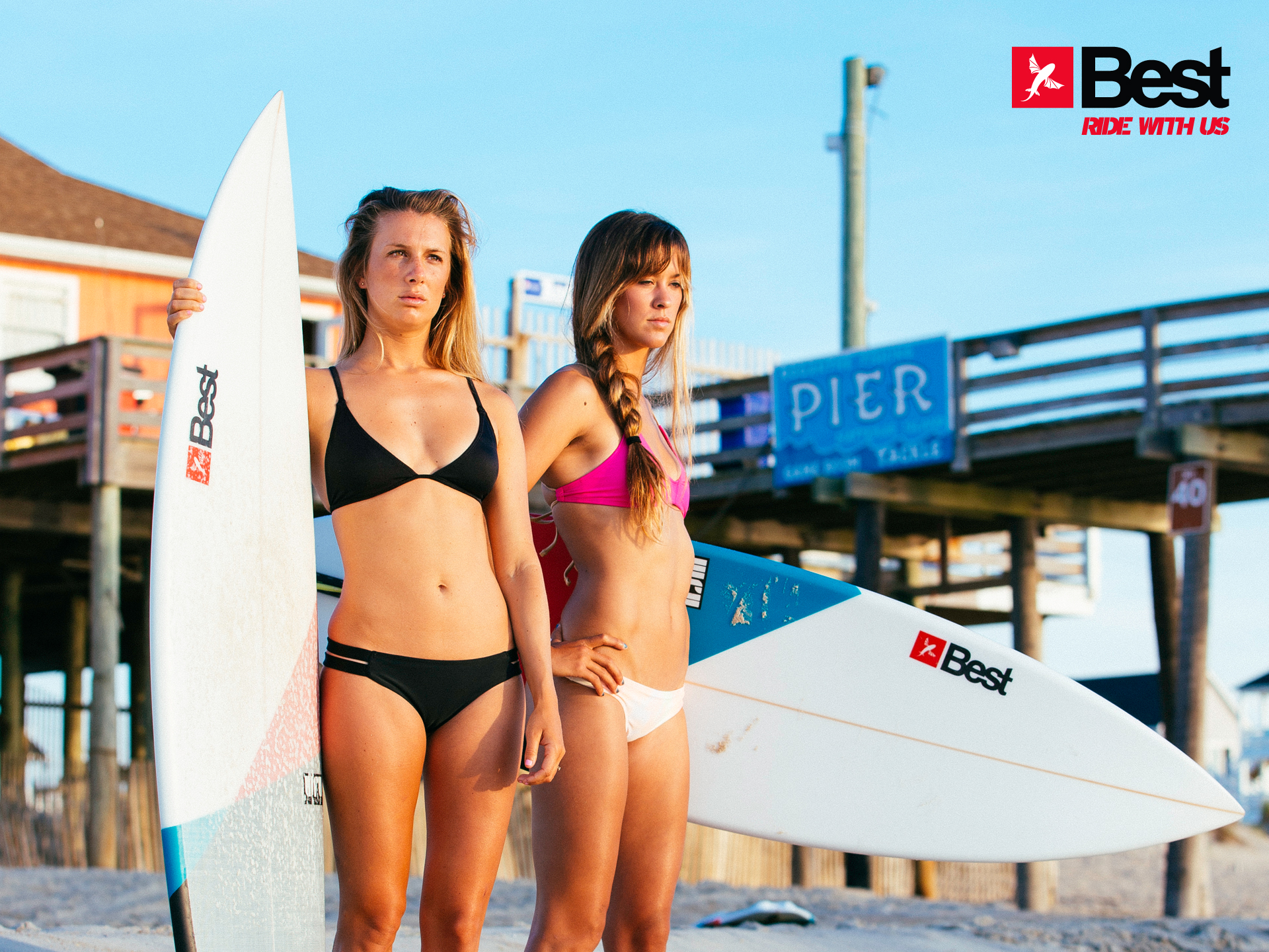 kitesurf wallpaper image - Two Best Kiteboarding kitechicks in bikini with surfboards looking to take a ride - in resolution: Standard 4:3 1920 X 1440