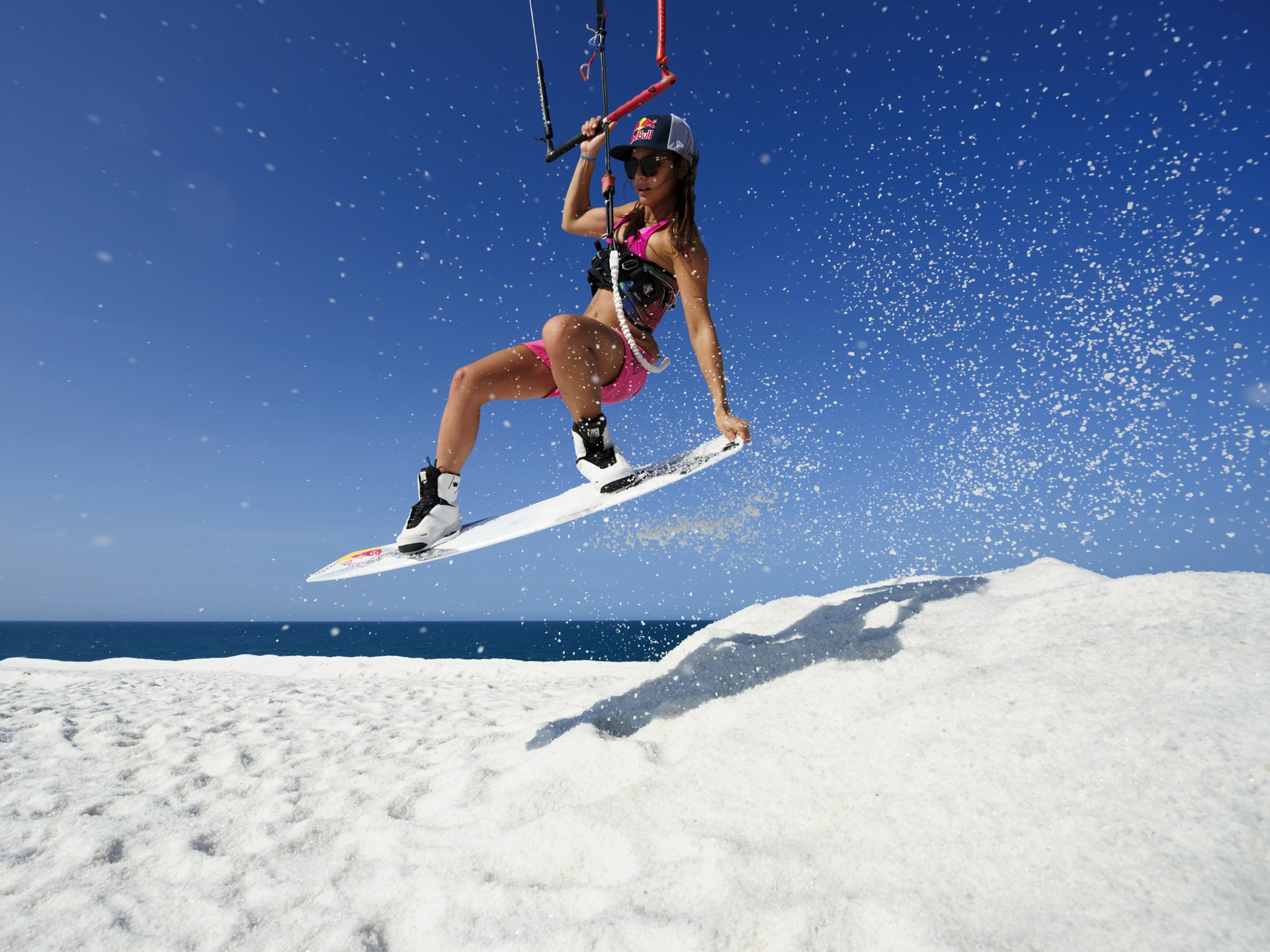 kitesurf wallpaper image - Bruna Kajiya jumping from salt mountain - in resolution: Standard 4:3 1920 X 1440