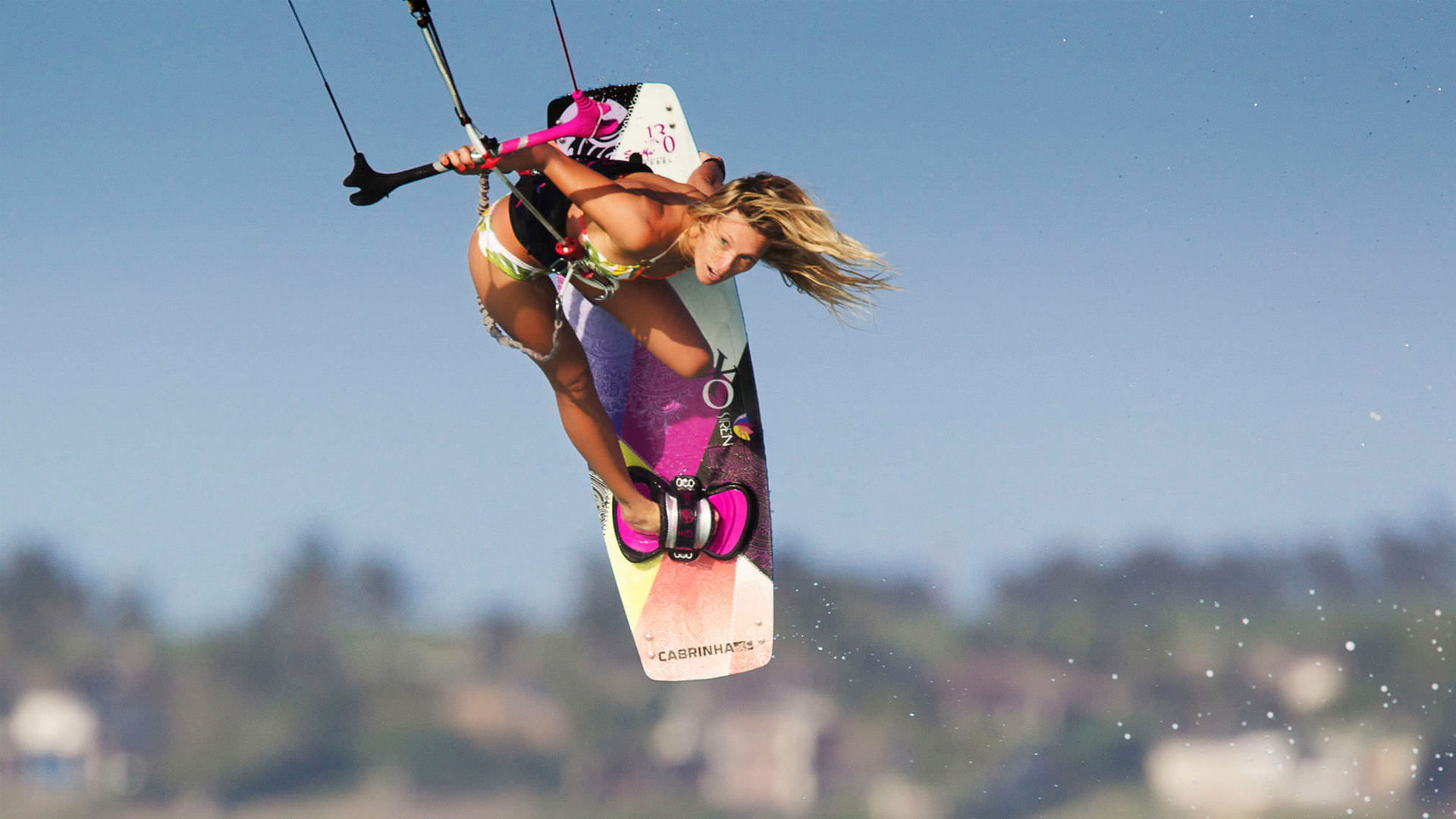 kitesurf wallpaper image - Susi Mai showing how it's done. - in resolution: High Definition - HD 16:9 1920 X 1080