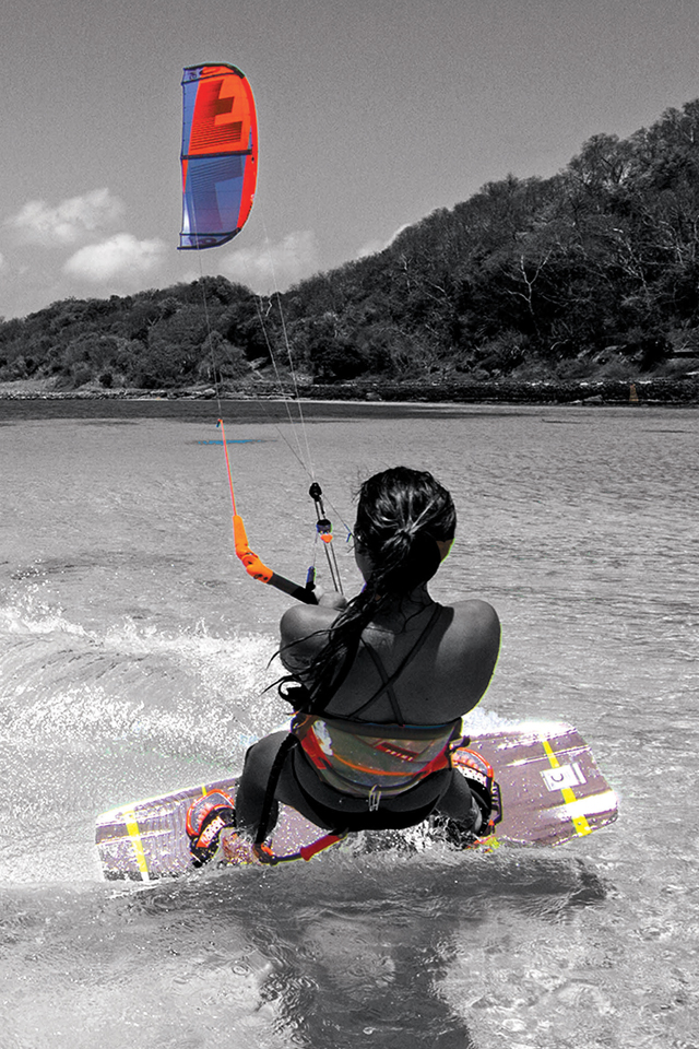 kitesurf wallpaper image - Sensi Graves with the 2015 Liquid Force Envy Kite and riding the carbon element kiteboard - in resolution: iPhone 640 X 960