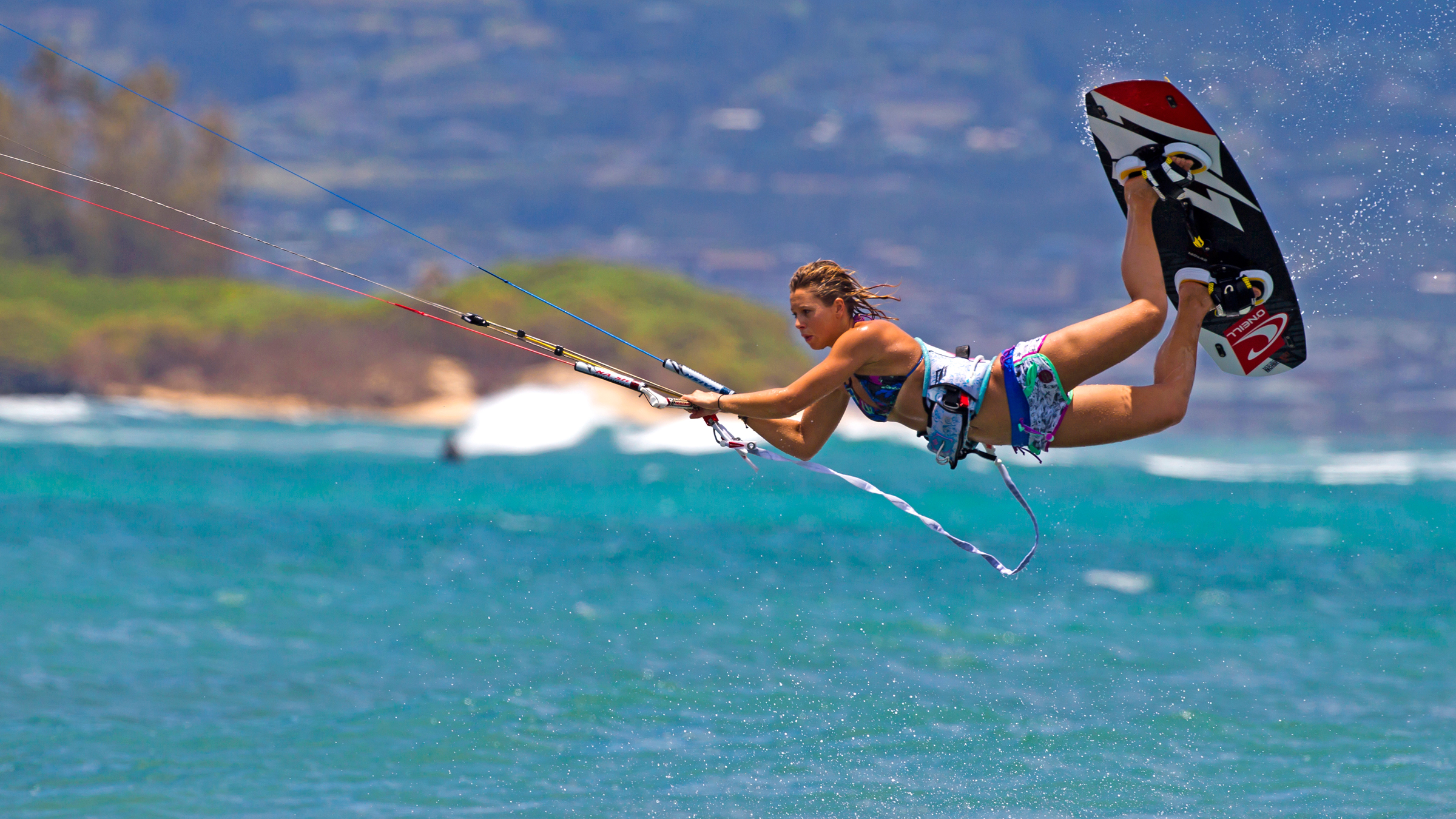 kitesurf wallpaper image - Jalou Langeree popping a raily - in resolution: High Definition - HD 16:9 2400 X 1350