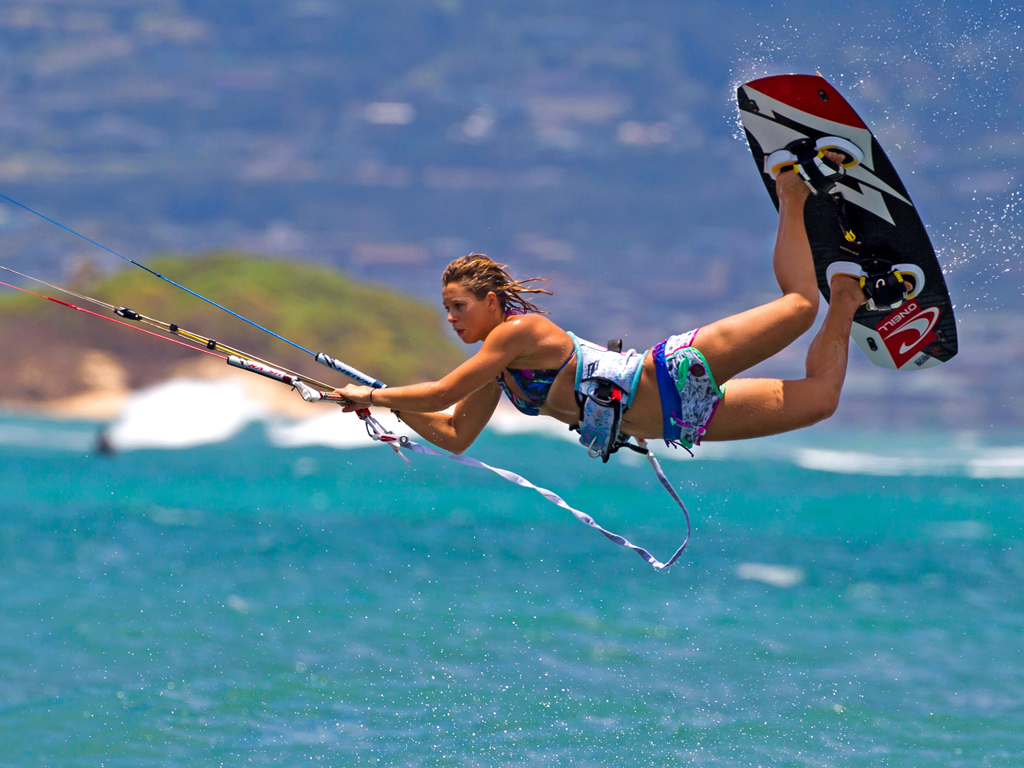 kitesurf wallpaper image - Jalou Langeree popping a raily - in resolution: iPad 1 1024 X 768