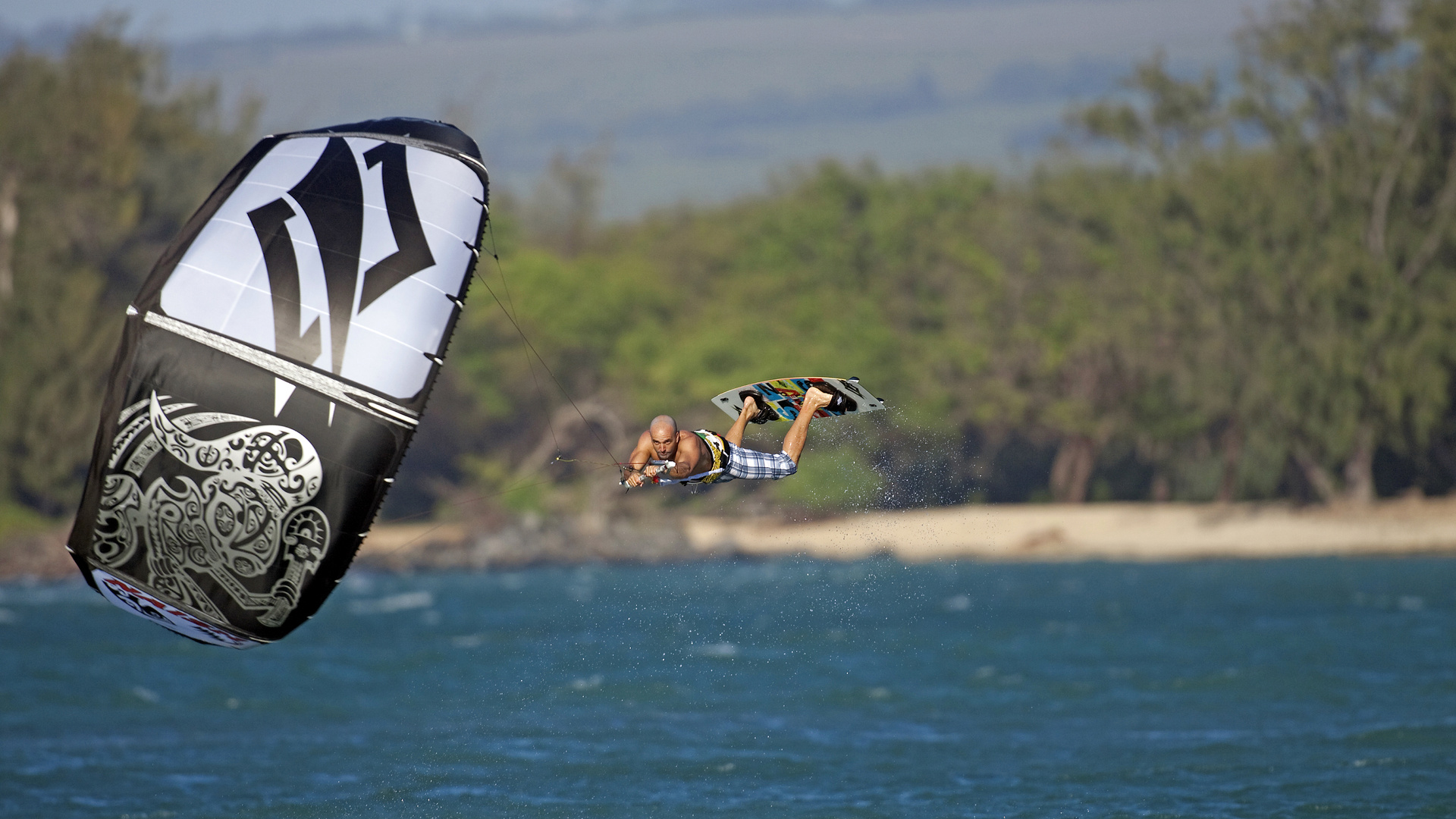 kitesurf wallpaper image - going for the max - kiteloop by naish - in resolution: High Definition - HD 16:9 1920 X 1080