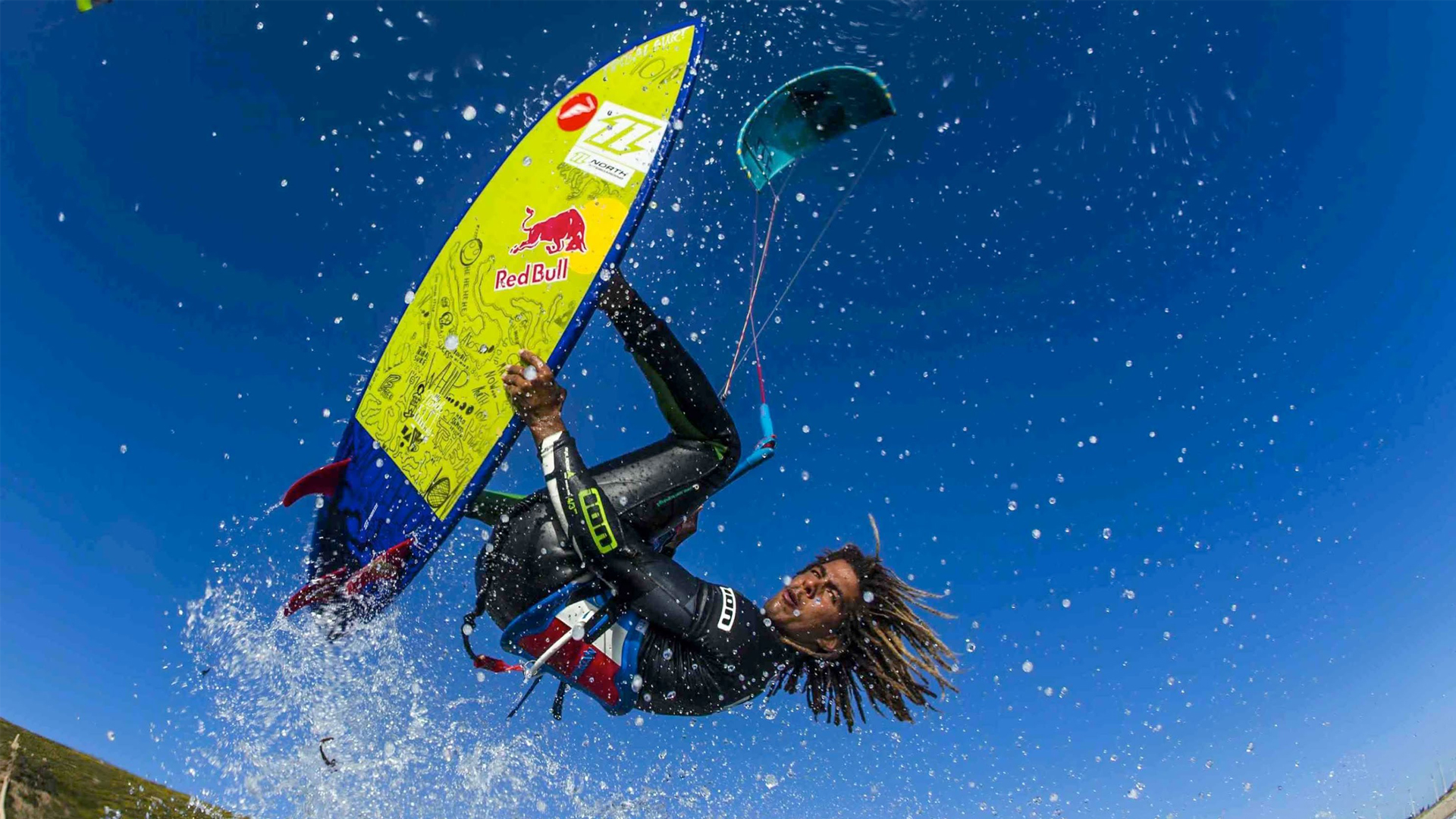 kitesurf wallpaper image - Airton Cozzolino with a strapless arial - North kiteboarding - in resolution: High Definition - HD 16:9 1920 X 1080