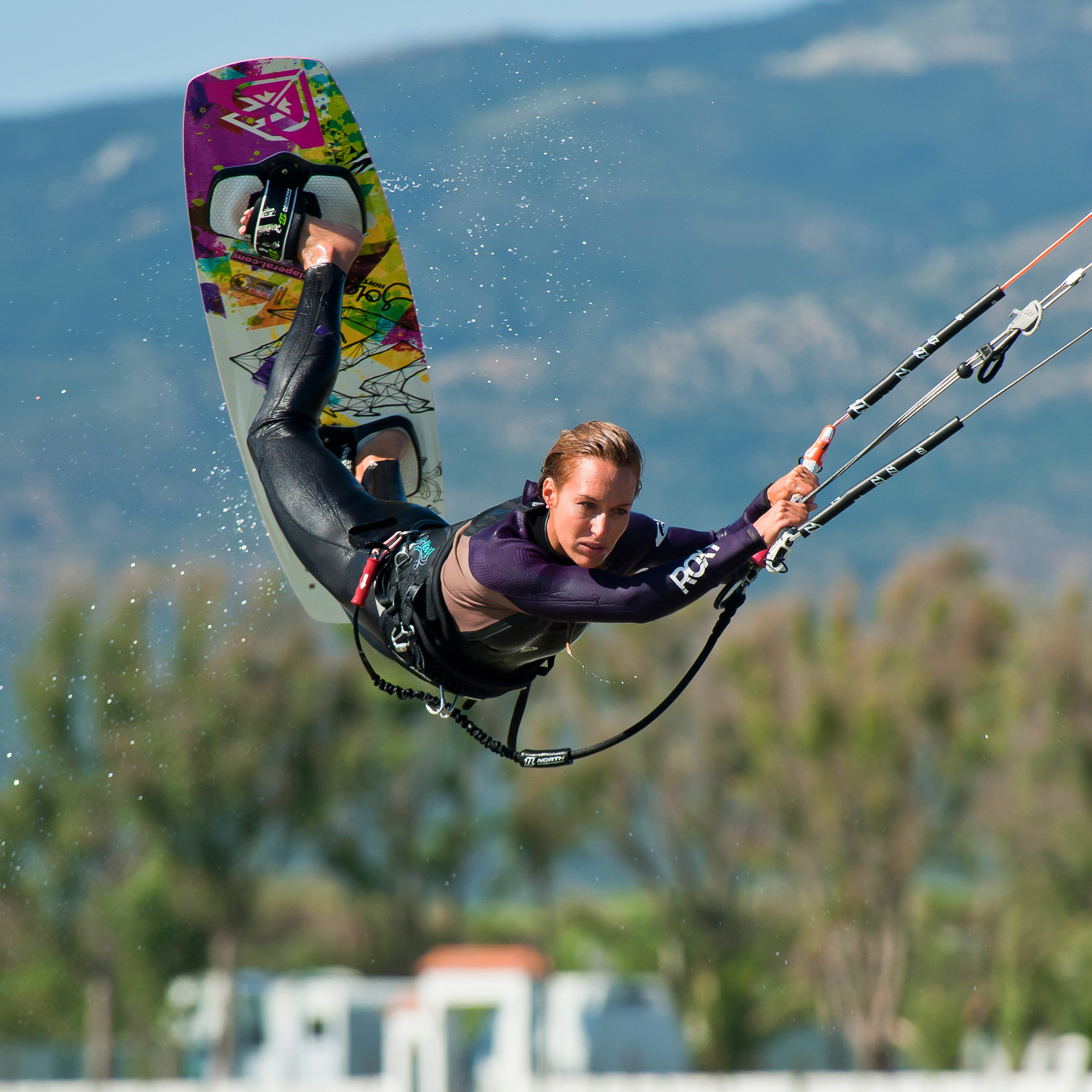 kitesurf wallpaper image - Angela Peral raily into town - in resolution: iPad 2 & 3 2048 X 2048