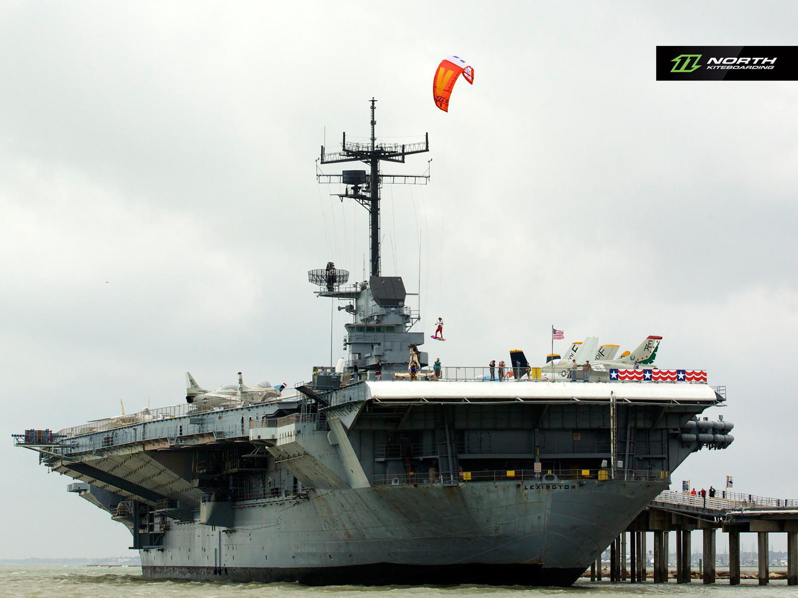 kitesurf wallpaper image - Jumping off an aircraft carrier with a North Vegas kite - in resolution: Standard 4:3 1600 X 1200