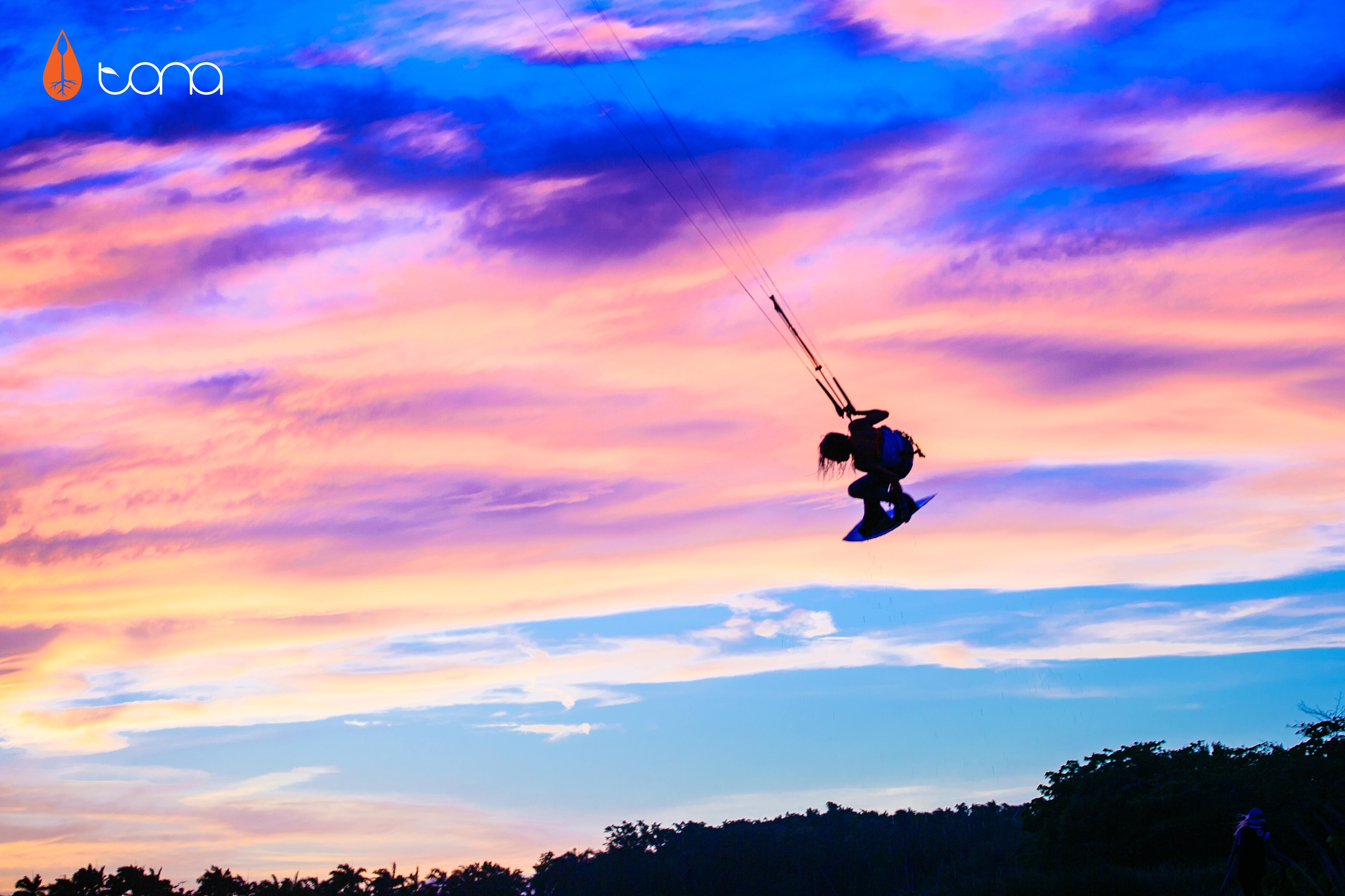 kitesurf wallpaper image - Indie grab at sunset with Tona Boards - kitesurfing - in resolution: Original 4877 X 3252