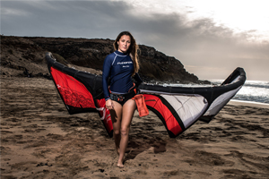 Julia Castro Christiansen and her Flexifoil kite - kitesurfer