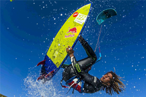 Airton Cozzolino with a strapless arial - North kiteboarding